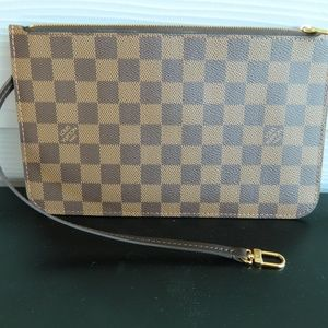 AUTHENTIC LOUIS VUITTON WRISTLET